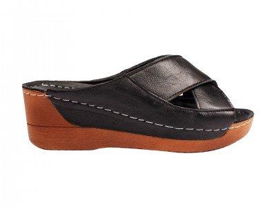 Ženska papuča crna model 8317-c